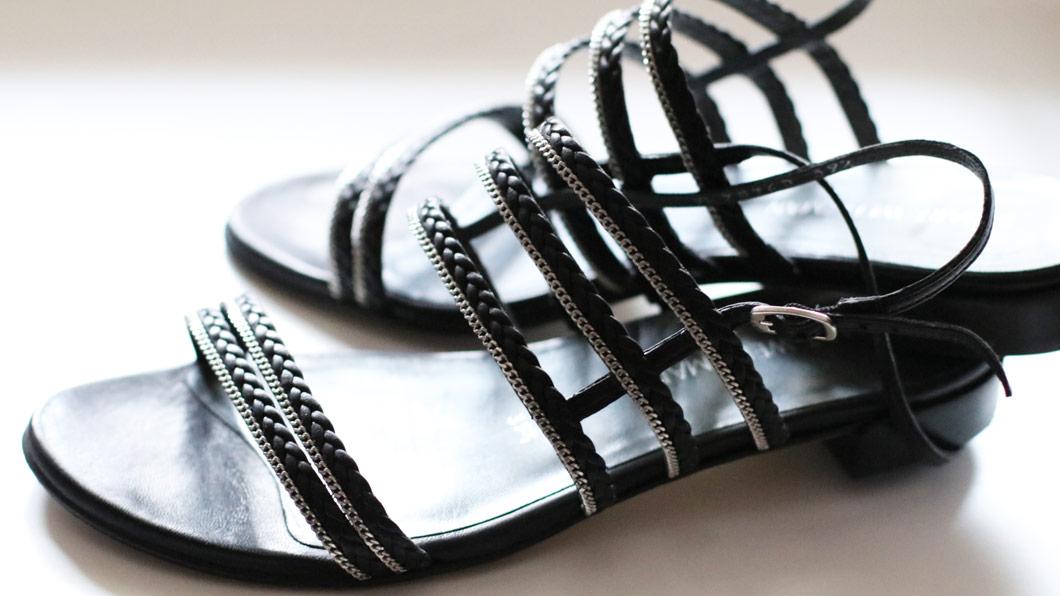 Sechs Hausmittel für schöne Sandalen-Füsse