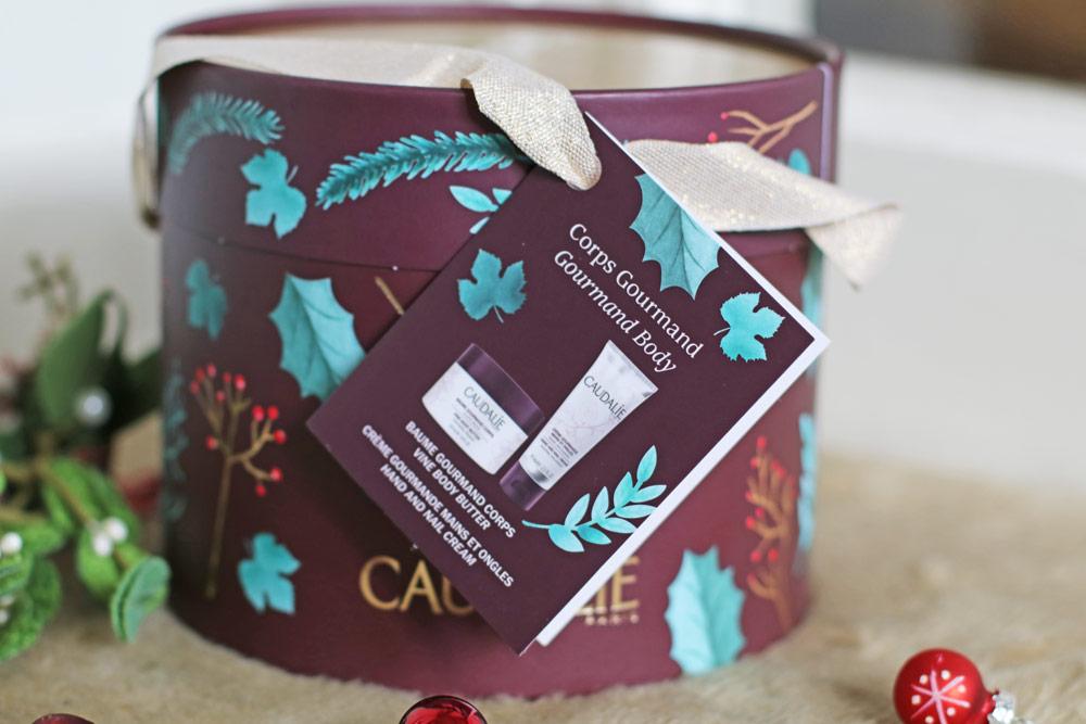 Weihnachtsstimmung bei Caudalie – und auf sonrisa.ch, wo es einen Instagram-Wettbewerb gibt, bei dem Du ein Beauty-Set gewinnen kannst.
