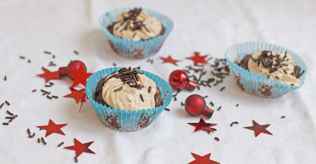 Zuckerfrei und vegan: die weihnachtlichen Cupcakes à là sonrisa sind eine gute Alternative zu Weihnachtskeksen