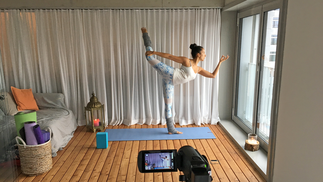 sonrisa capture of the week n° 19 mit der neuen Online School von POP UP YOGA