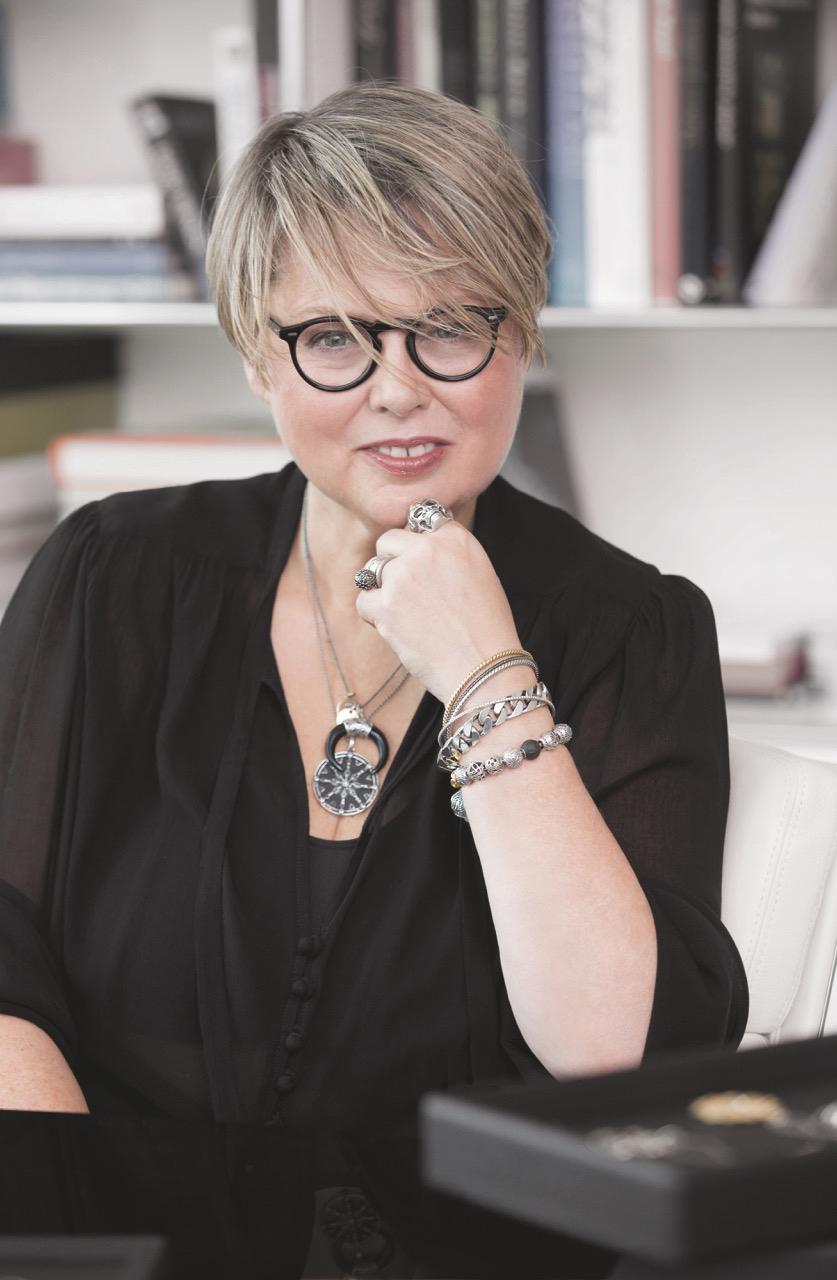 Creative Director Susanne von Thomas Sabo weiss, worauf es ankommt beim Verschenken von Schmuck.