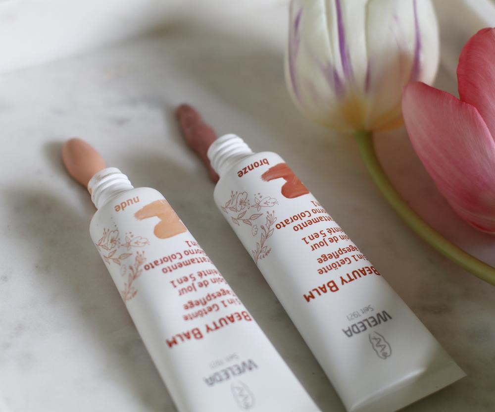 Die neuen Beauty-Balms von Weleda vereinen Pflege und einen Hauch von Farbe in einem Produkt.