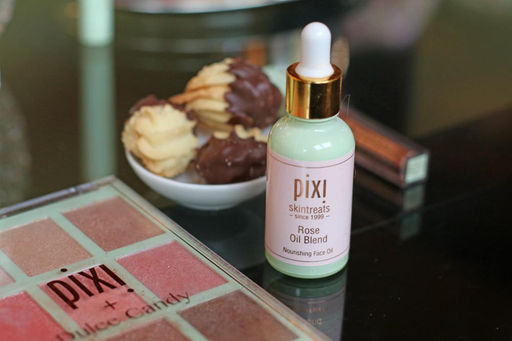 Makeup Artist und Pixi Botschafterin Amanda Bell verrät auf sonrisa ihre besten Schmink- und Beauty-Tipps.