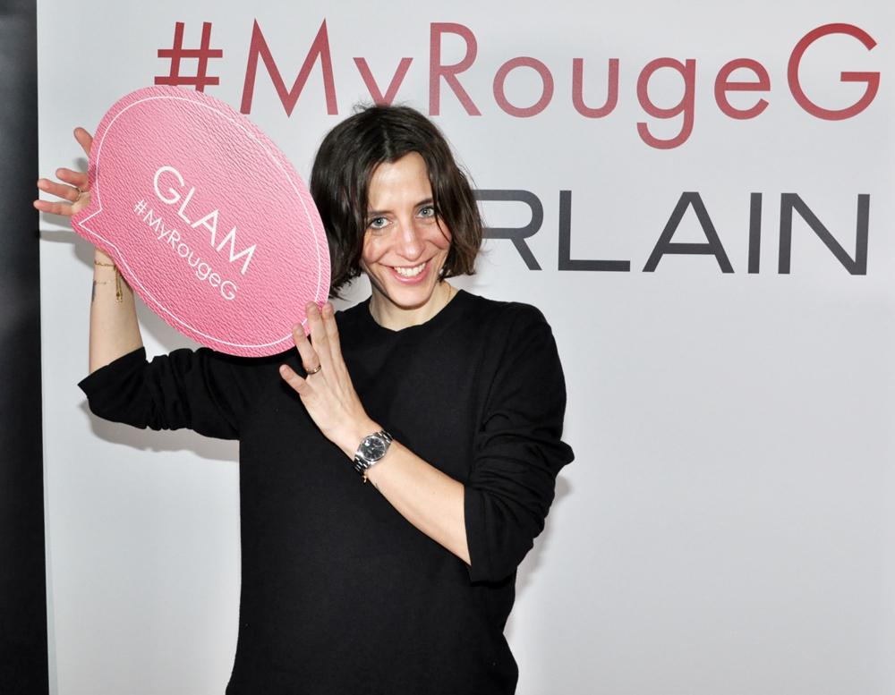 auf sonrisa gibt es einen Guerlain Rouge G Lipstick im exklusiven sonrisa-Design zu gewinnen!