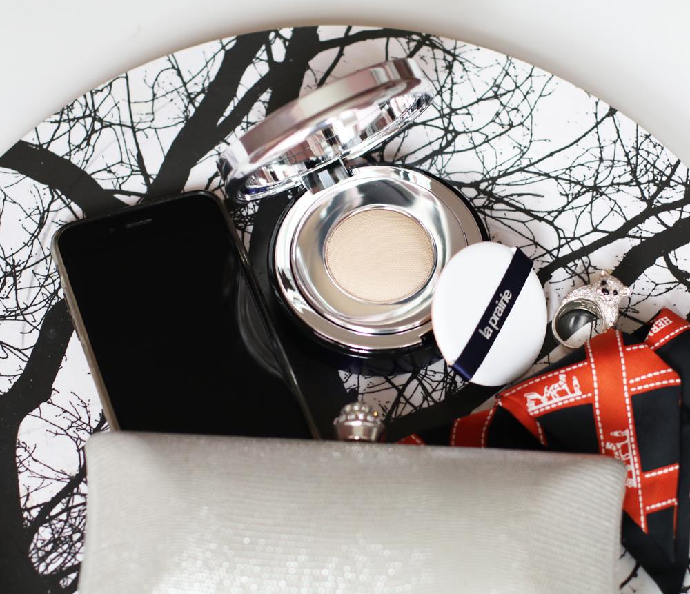 Entdecke und gewinne auf sonrisa.ch die neue La Prairei Skin Caviar Essence-in-Foundation.