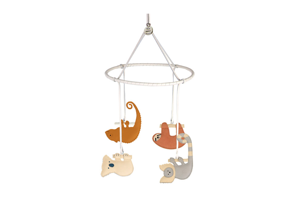 Das Schweizer Designlabel Yoshiki hat das Sortiment um Kinderartiel und neuen Schmuck erweitert.