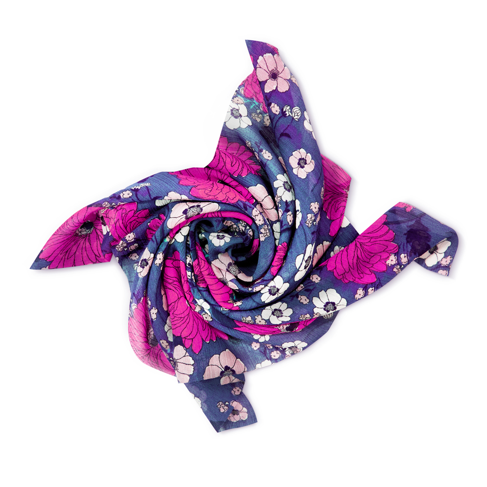 Karma goes Beauty: Bei KIKO MILANO gibt es zum Muttertag ab einem Einkauf von 30 CHF ein Foulard vom nachhaltigen Modelabel Progetto Quid, das benachteiligten Frauen den Wiedereinstieg in die Berufswelt erleichtert.