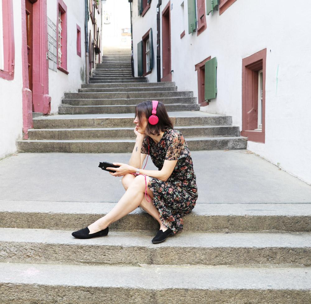 Mit der üblichen Verspätung hat nun auch sonrisa.ch-Blogggerin Katrin Roth die Podcasts für sich entdeckt und fragt Dich nun: Welche Podcasts kannst Du empfehlen?