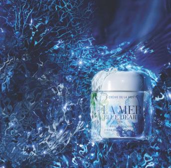 mit dem Kauf der limitierten Blue Heart Limited-Edition Crème de la Mer tust Du nicht nur Deiner Haut etwas gutes, sondern - yay – unterstützst auch grad noch verschiedene Umweltprojekte zum Schutz der Weltmeere.