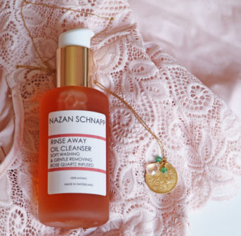 sonrisa loves: Nazan Schnapp Rinse Away Oil Cleanser mit Rosenquarz