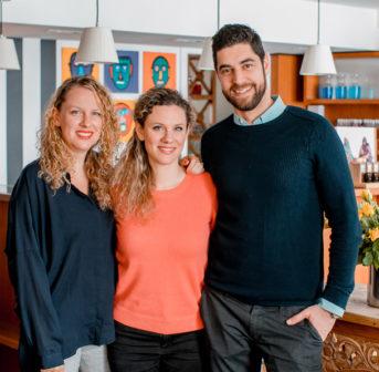 Beauty hoch Drei: Im exklusiven Interview zieht das neue Schminkbar-Team ein erstes Fazit nach der Übernahme vor eineinhalb Jahren.