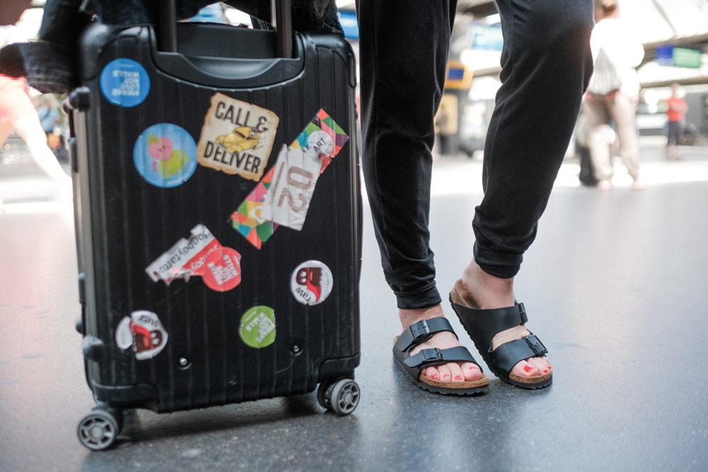 Selbstliebe auf flachen Schuhen mit Ochsner Shoes.