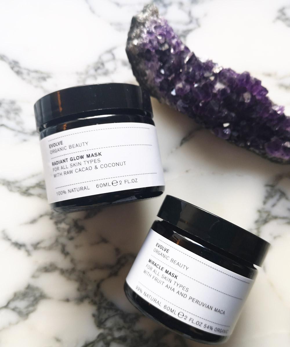 Maskenball im Bad: auf sonrisa.ch gibt es die besten Tipps zum Thema Gesichts-Masken – und eine neue Produkte-Empfehlung dazu!