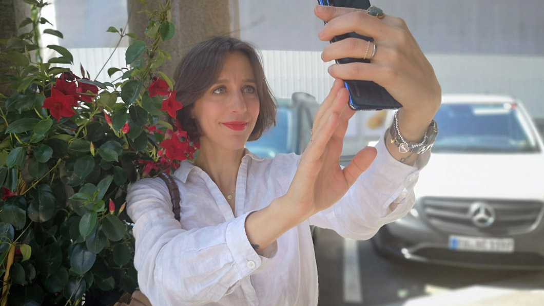 A beginner's guide to the perfect foto: the selfie