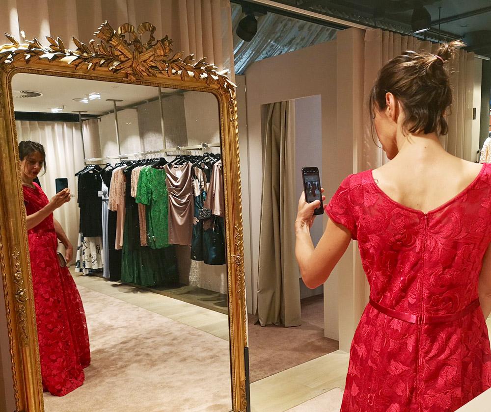 "Klick! Klick! Profi-Fotograf David Biedert verrät in der neuen Serie ""sonrisa x Huawei: a beginner's guide for the perfect foto"", wie man mit dem neuen Huawei P20 Pro das perfekte Selfie schafft."