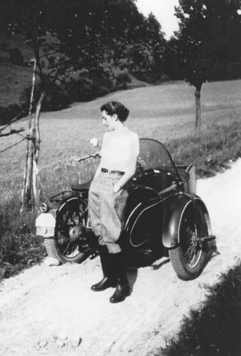 Spannend wie ein Roman: Die Geschichte der Dr Hauschka Rosencreme und ihrer Erfinderin Elisabeth Sigmund.