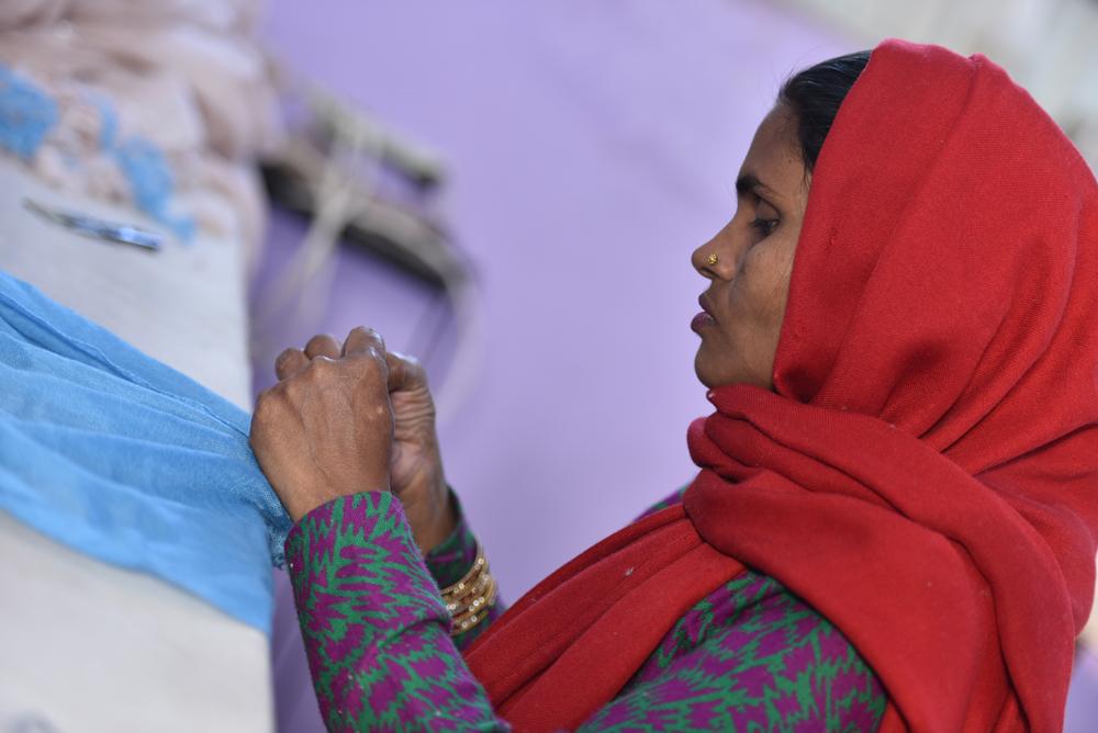 Über das Schweizer Startup manoli cashmere gibt es fair produzierte Kaschmir-Schals zu einem guten Preis.