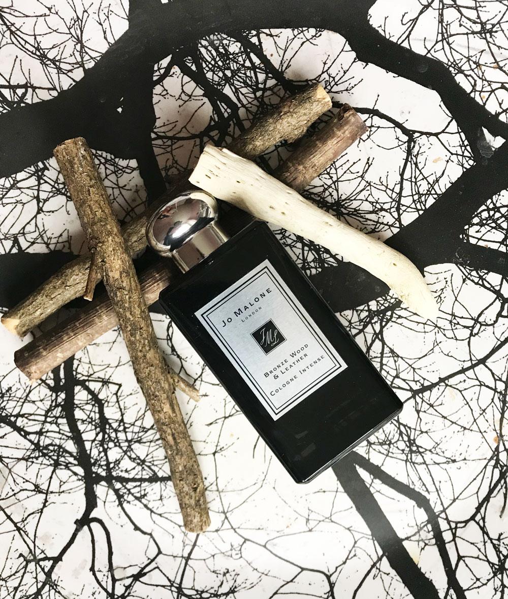 Meister-Parfümeurin Marie Salamagne spricht im Interview auf sonrisa darüber, wie ein winziges Molekül zur Kreation des neuen Cologne Intense Bronze Wood & Leather von Jo Malone führte.