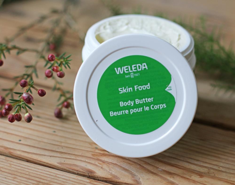 Beauty Ikone in der grünen Tube: Alles, was Du über die legendäre Skin Food Crème von Weleda wissen musst.