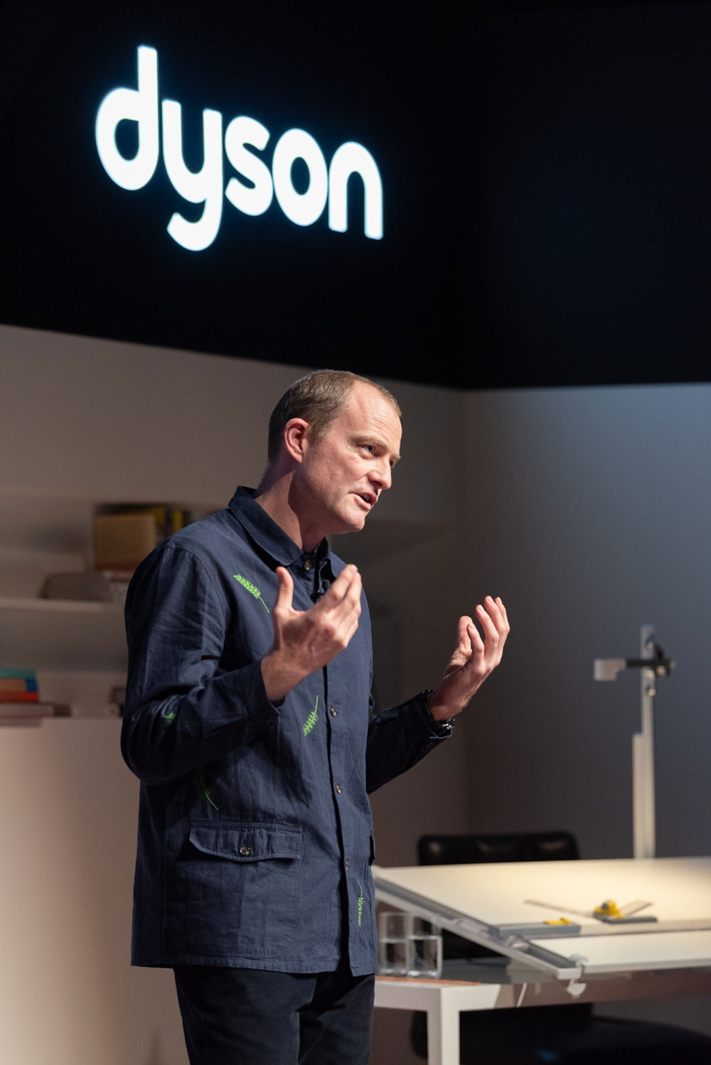jake dyson in paris at the presentation of the new lightcycle sonrisa. Black Bedroom Furniture Sets. Home Design Ideas