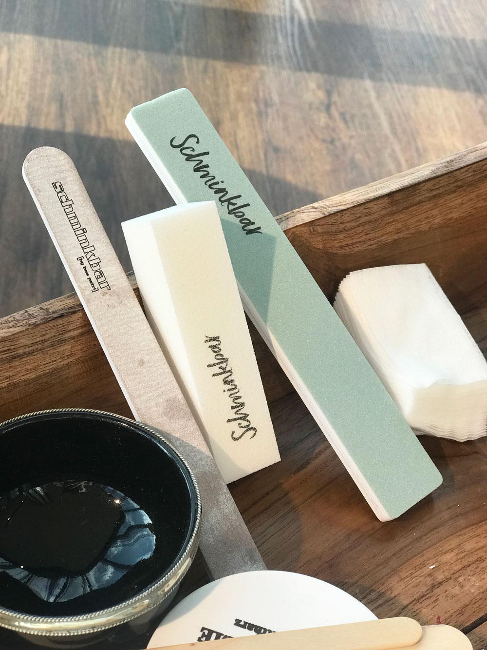 """Vereint Pflege + Schutz und verhilft Dir sofort zum """"my nails, but better""""-look: Die Produkte der Zoya Naked Manicure-Serie, die sonrisa für Dich getestet hat."""