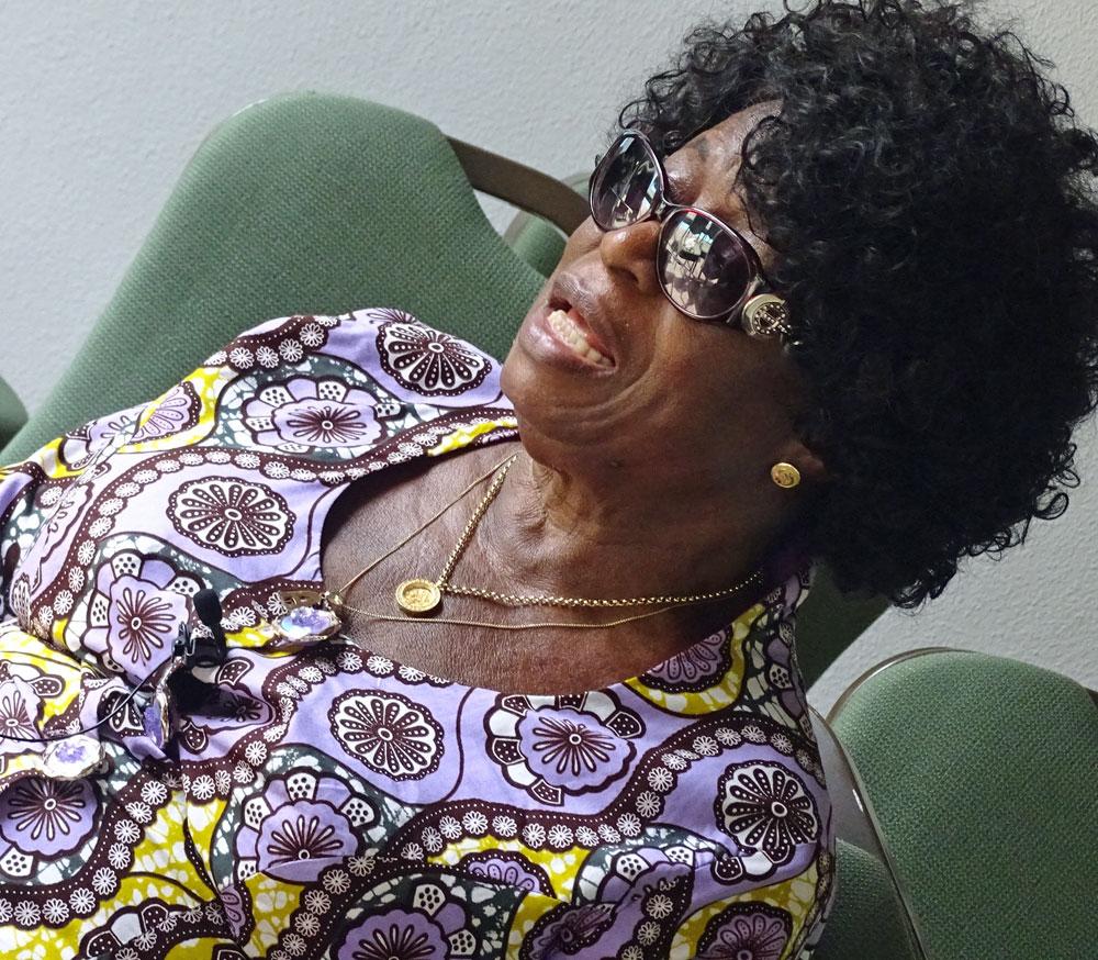 Frauenrechts-Expertin Madame Fati spricht am Weltfrauentag 2019 mit sonrisa über Frauen in Ghana - warum die Beauty-Industrie ihnen zu einem bessere Leben verholfen hat.