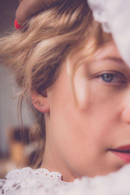 Ideal für den Muttertag - oder Dich selbst: Personalisierte Schmuckstücke von Atelier Paulin, die morgen bei Vestibule live angefertigt werden.