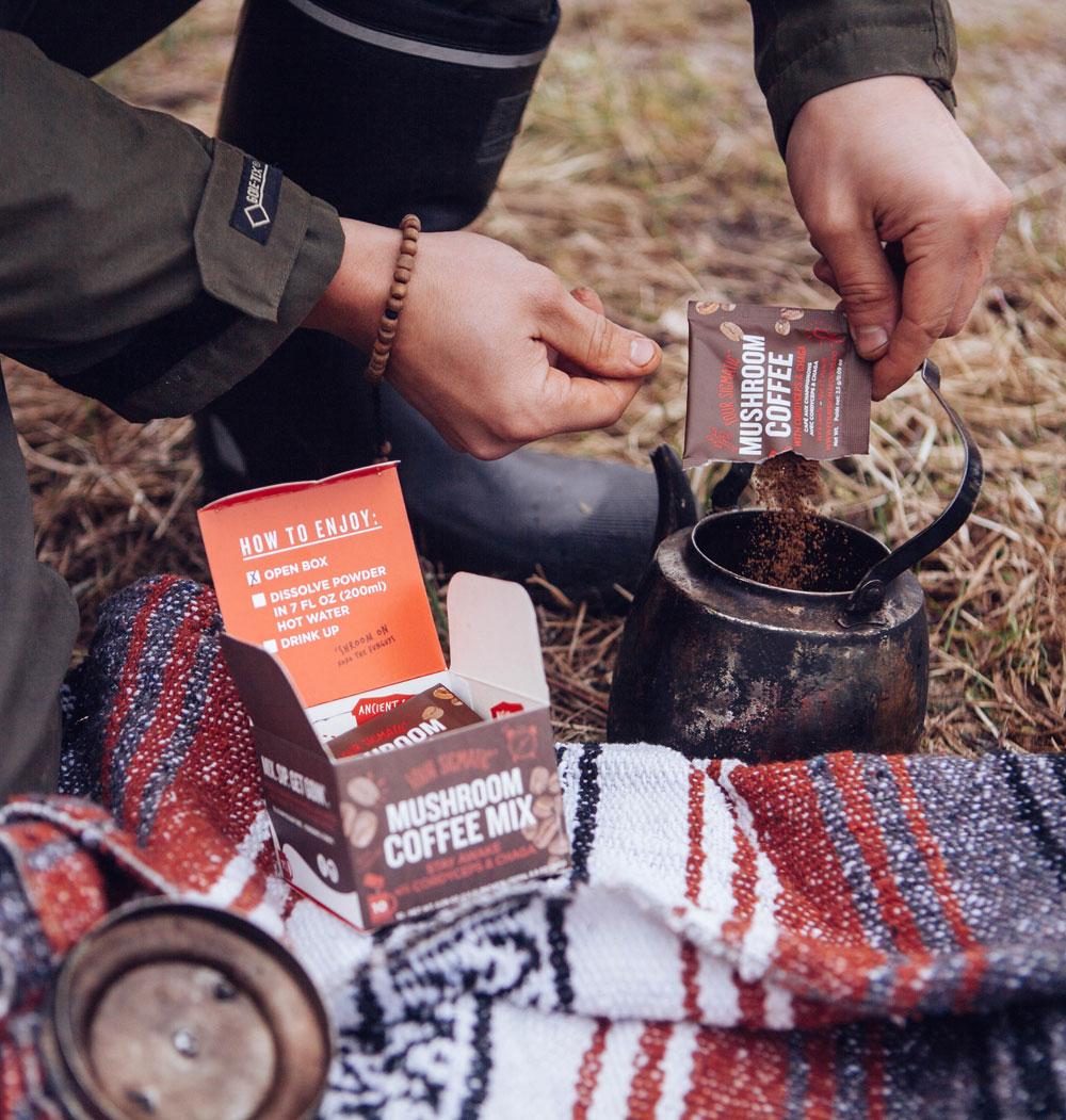 sonrisa trifft Tero, den Begründer von Four Sigmatic, zum Gespräch über magische Pilze im Kaffee und Magie im Alltag.
