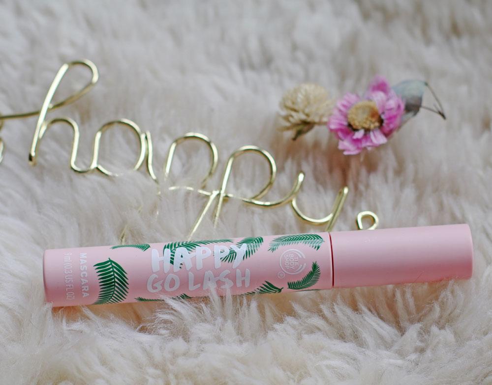 Der Happy Go Lash Mascara von The Bodyshop mit 99 Prozent natürlichen Wirkstoffen sorgt bei sonrisa aus diversen Gründen für Glücksgefühle.