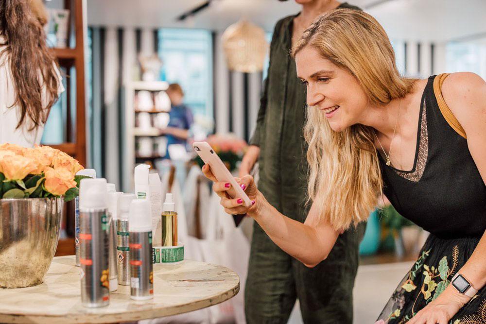 Rausch präsentiert in der Schminkbar drei neue Körperpflege-Linien.