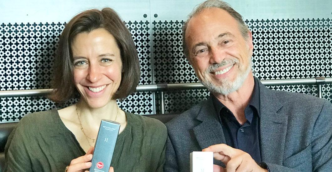 Sonrisa traf Revitalash-Begründer Michael Brinkenhoff zum exklusiven Gespräch über falsche Versprechungen, echte Ergebnisse - und warum es manchmal tatsächlich auf die Länge ankommt.