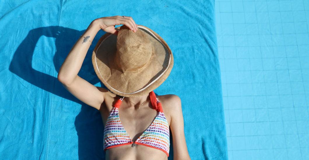 Die Wichtigkeit von Sonnenschutz hat sich mittlerweile herumgesprochen, aber wie lange halten die Produkte eigentlich? Sonrisa geht dieser Frage nach - und hat viele Antworten!