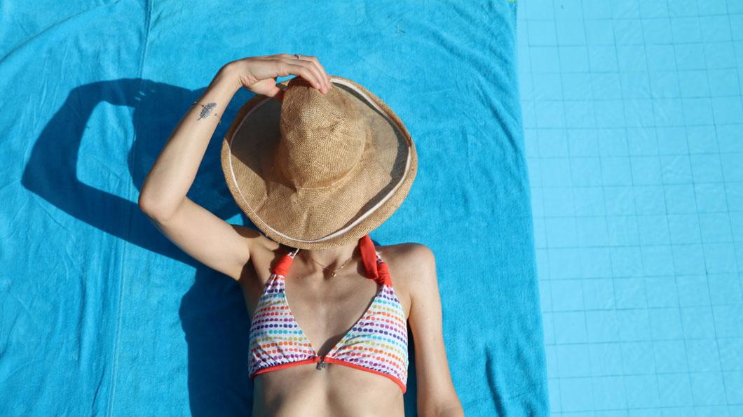 Wie lange ist Sonnenschutz eigentlich haltbar?