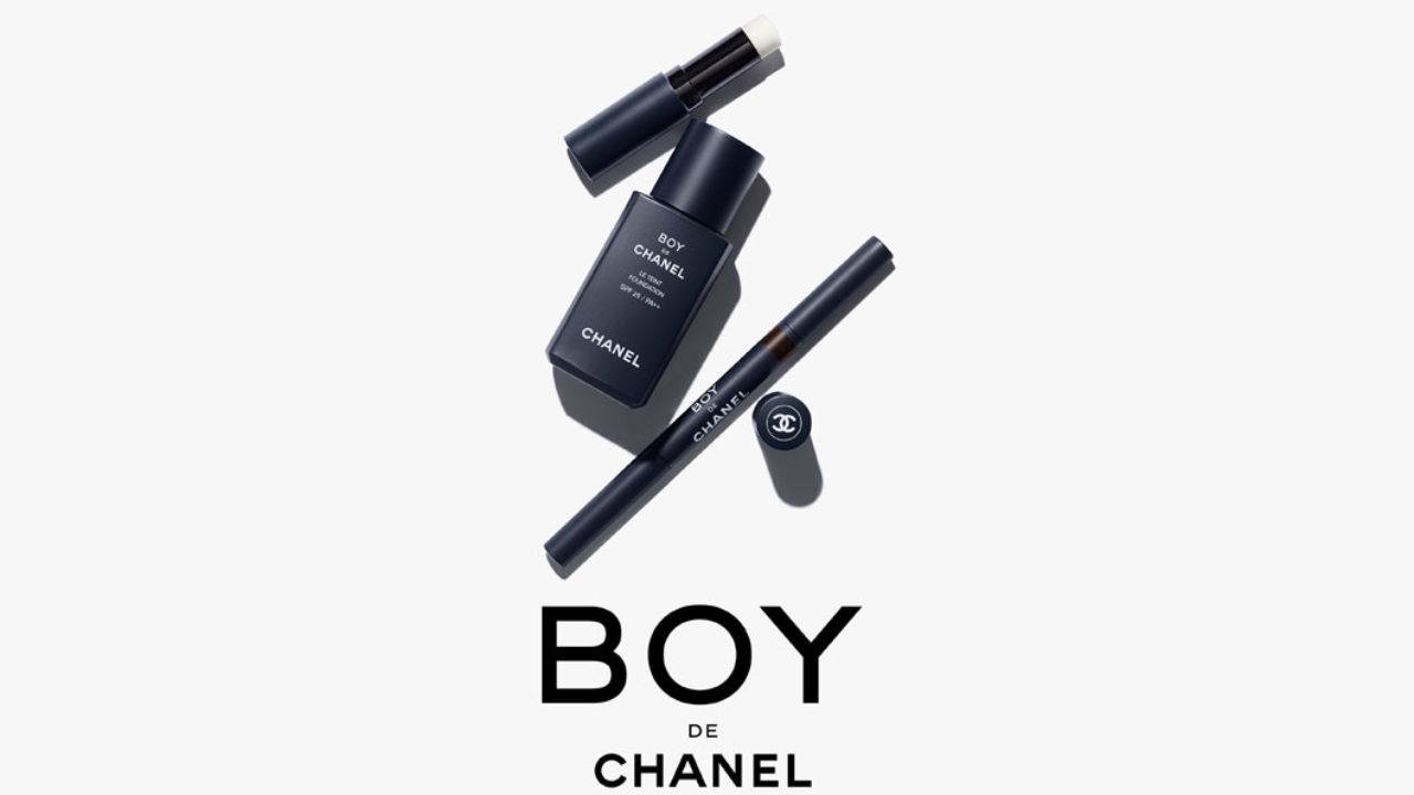 Der gepflegte Mann: Beauty-Held Daniel Ranz testet sich für sonrisa durch spannende Produkte aus dem Kosmetik-Kosmos für Männer wie etwa Makuep-Linie Chanel Boy.