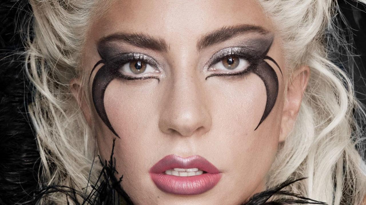 Das Warten hat ein Ende: Nachdem Lady Gaga im vergangenen Jahr bekannt gab, eine eigene Make-up-Linie zu lancieren, können die Produkte von Haus Laboratories nun vorbestellt werden – und auf sonrisa gibt es alle Informationen zu diesem neuen Beauty-Brand mit einer wichtigen Botschaft.
