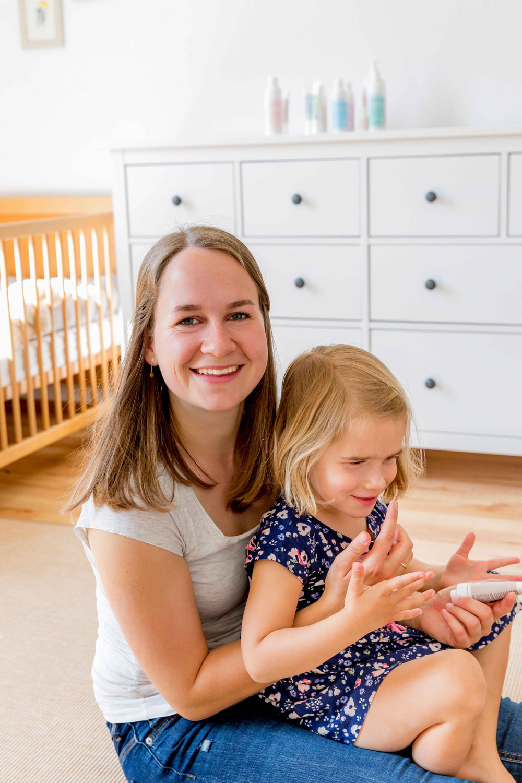 """Jungunternehmerin Michaela Hagemann spricht mit sonrisa daüber, wie sie von der Ärtzin zur Gründerin der Kinderkosmetik-Firma """"das boep"""" wurde, welche Werte sie ihren Töchtern vermitteln will und warum sie die Sache mit dem Perfektionismus für unnötig hält."""
