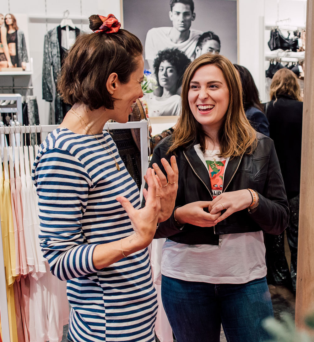 sonrisa redet mit Künstlerin Amber Vittoria über Schönheitsideale in der Kunst und Selbstliebe.