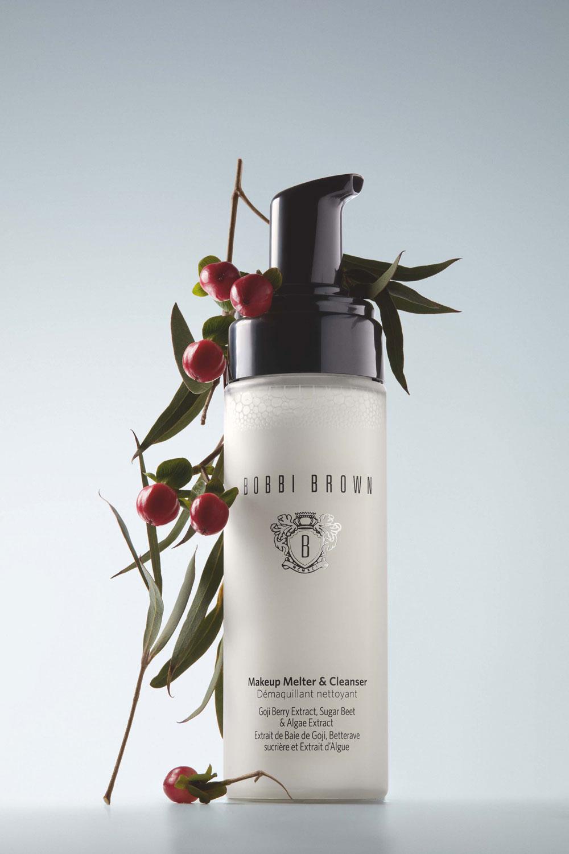 Ein Upgrade für die Gesichtsreinigung: sonrisa stellt luxuriöse Neuheiten von Chanel, Sisley, Shiseido und Bobbi Brown vor, welche die Reinigung zum Wellness-Ritual werden lassen.