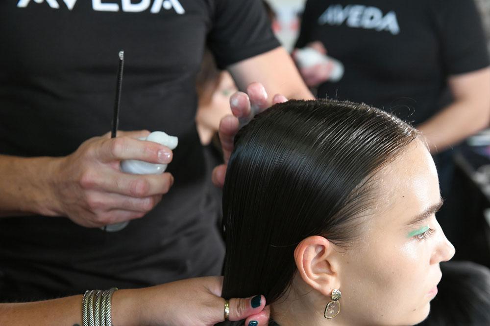 sonrisa nimmt Dich mit hinter die Kulissen der Fashionweek in NYC, von wo die Aveda-Profis die neusten Haar-Trends setzen.