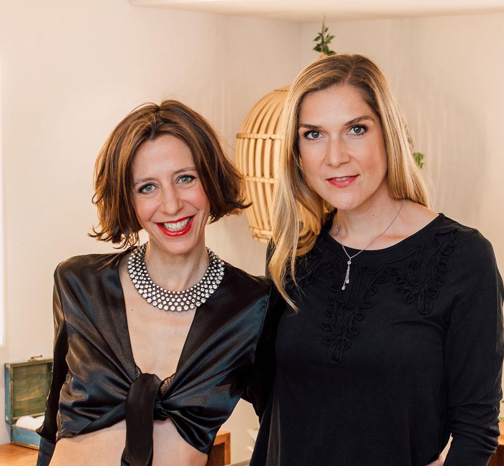 Ein Tutorial in Wort und Bild: Mrs Flury und sonrisa sind in der Schminkbar zu Gast und lernen im Rahmen einer Schminkberatung, was es für einen einfachen Glamlook bzw ein gutes Makeup für Instagram braucht.