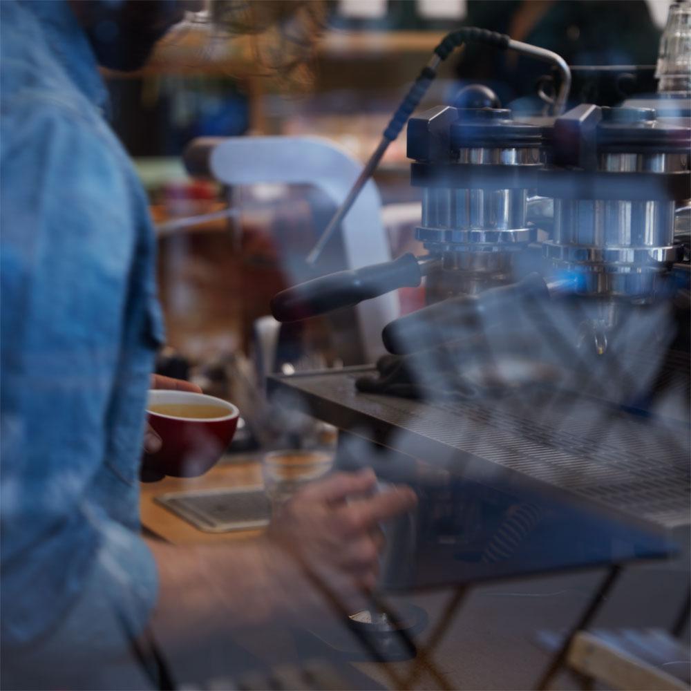 Coffee Break von Maison Margiela soll an einen Besuch in einem Kaffee-Haus erinnern und ist darum der perfeke Duft für alle #coffeelovers.