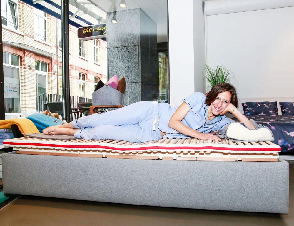 Schlaf gut: Auf sonrisa gibt es die besten Tipps für einen erholsamen (Schönheits)-Schlaf.
