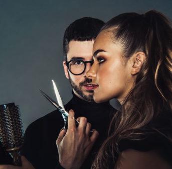elebrity-Stylist und Hair-Atelier-Begründer Martin Dürrenmatt verrät exklusiv auf sonrisa seine Insidertipps als Haarprofi.