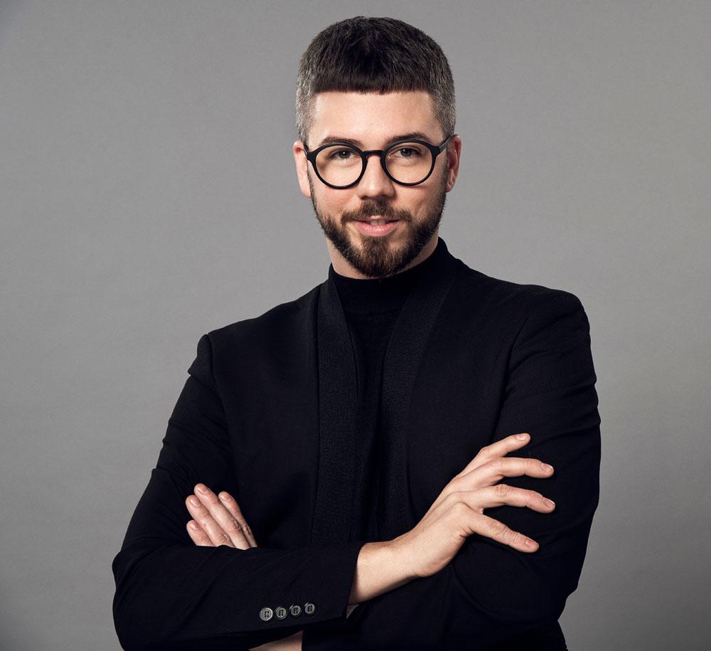Celebrity-Stylist und Hair-Atelier-Begründer Martin Dürrenmatt verrät exklusiv auf sonrisa seine Insidertipps als Haarprofi.