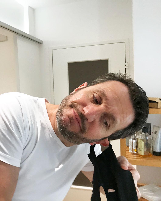 Der gepflegte Mann: Beauty-Held Daniel Ranz testet sich für sonrisa durch spannende Produkte aus dem Kosmetik-Kosmos für Männer wie etwa The Men Mask von Sephora.