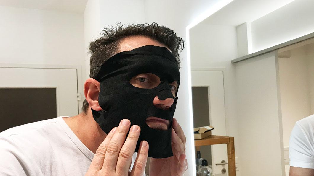 Der gepflegte Mann: In der Maske
