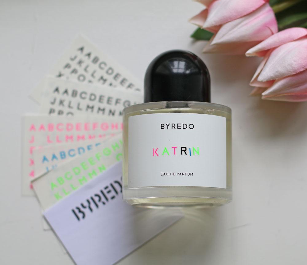 Zum Valentinstag 2020 lanciert Byredo eine limitierte Auflage des Unisex-Duftes unnamed, den man personalisieren kann.