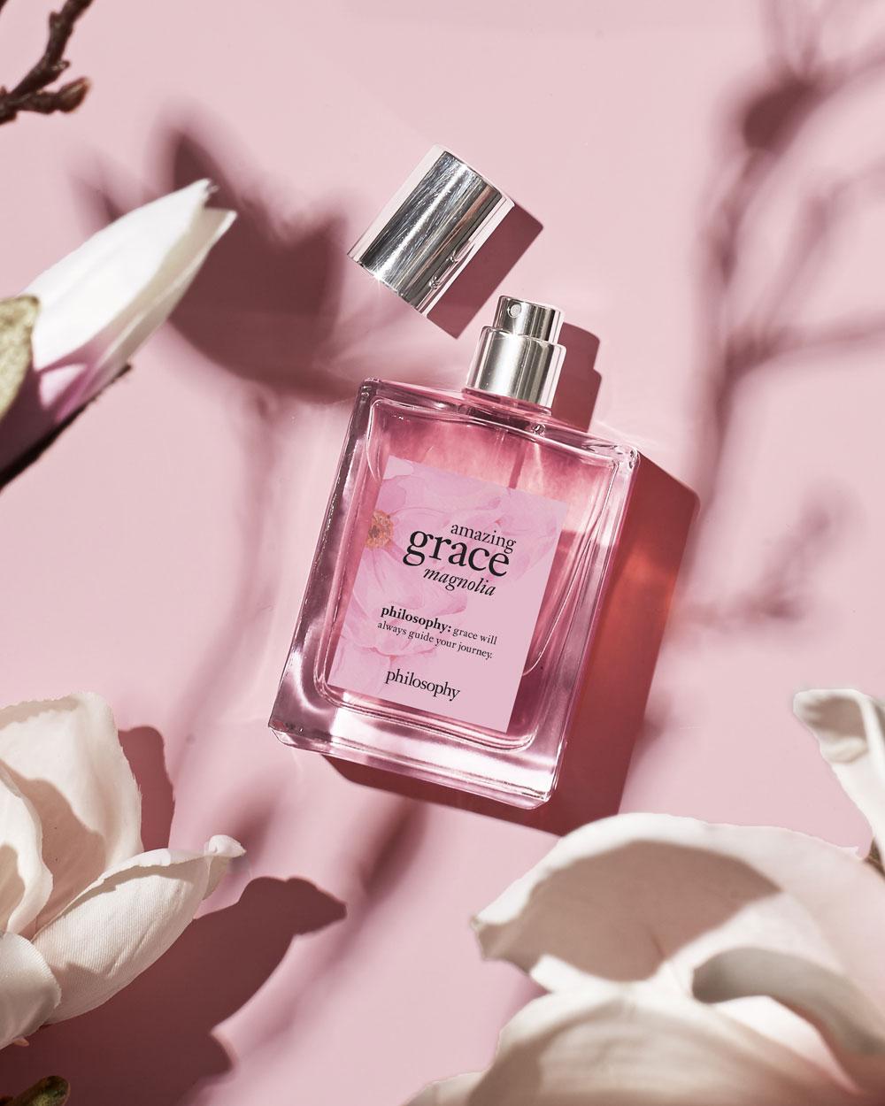 Alles, was Du über den Damenduft Amazing Grace Magnolia von Philosophy wissen musst, gibt es auf sonrisa zum Nachlesen, wo Du das Parfum auch gewinnen kannst!