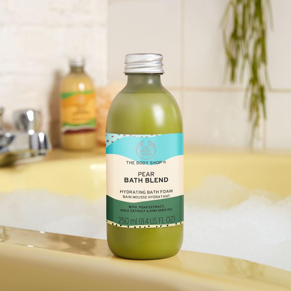 Restenverwertung funktioniert nicht nur in der Küche, sondern auch im Bad, wie das Beispiel der neuen, mit Superfood aus zweiter Wahl formulierten Bath Blends von The Body Shop zeigt.
