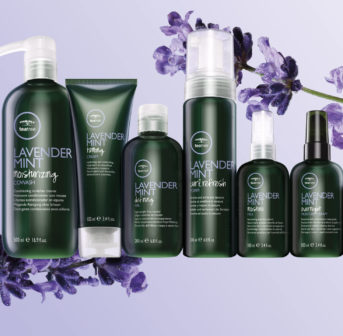 Gastbloggerin Florina testet die neue Paul Mitchell Tea Tree Lavender Mint-Kollektion für Locken.